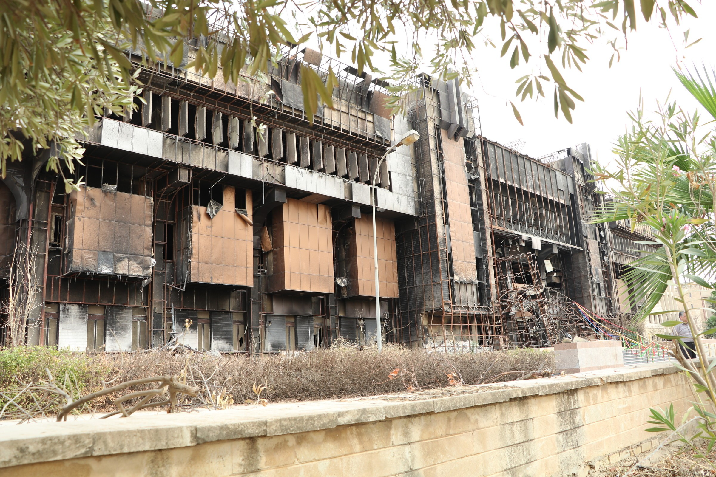Islamic state destroyed the main library in the city of Mosul 02/23/2015 94