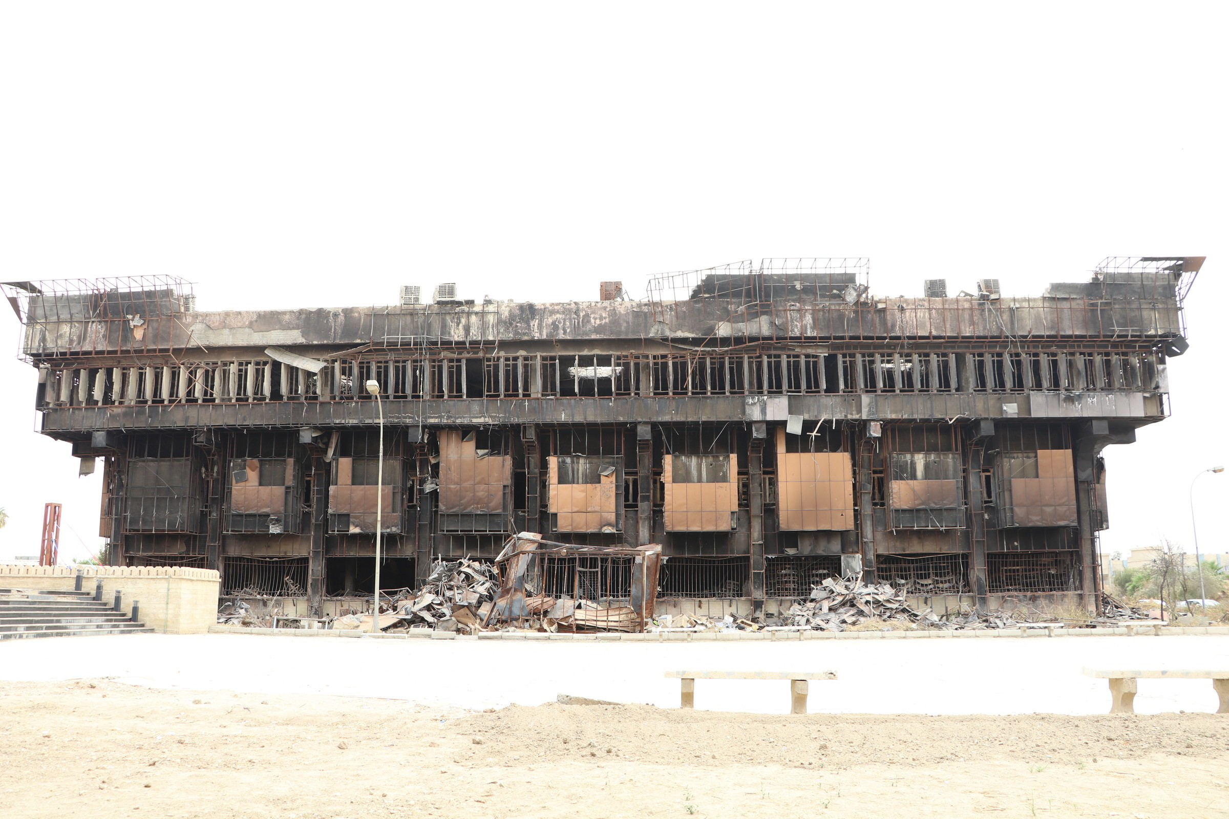 Islamic state destroyed the main library in the city of Mosul 02/23/2015 66
